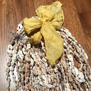 Jewelry - Sea shell Hawaiian Leis